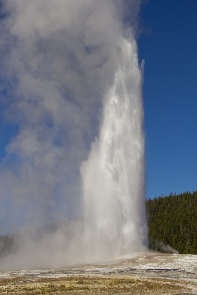 Old Faithful, Yellowstone National Park - American Old West | My Wandering Voyage Travel Blog