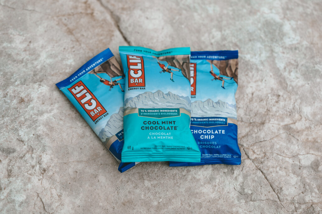 Snacks for hiking   Day hiking Essentials: What's in my day pack?   My Wandering Voyage travel blog #DayHike #Hiking #HikingEssentials #HikingChecklist