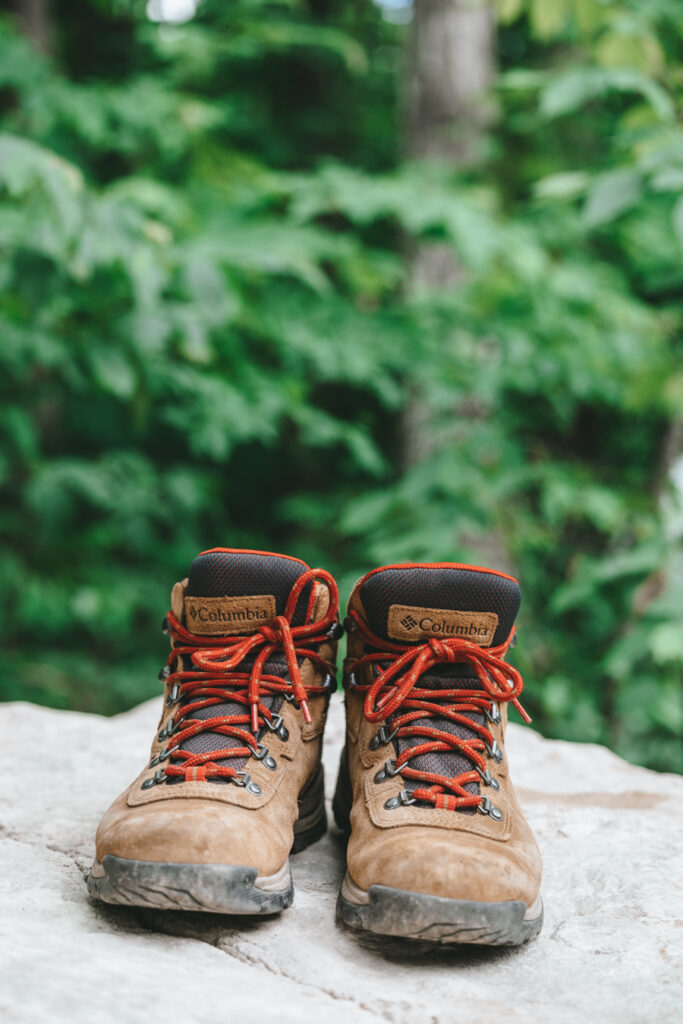 Best hiking boots   Day hiking Essentials: What's in my day pack?   My Wandering Voyage travel blog #DayHike #Hiking #HikingEssentials #HikingChecklist