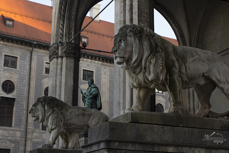 Feldherrnhalle, Odeonsplatz, Munich - What to do in Munich Germany with limited time | My Wandering Voyage travel blog