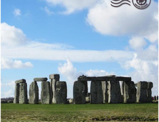Stonehenge, UK - Wandering postcard - postcards from around the world |My Wandering Voyage travel blog