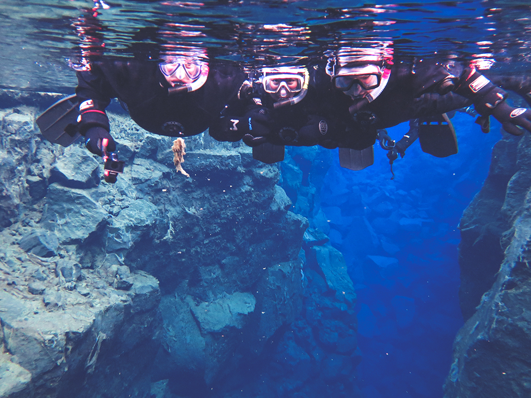 Silfra snorkelling - The Golden Circle is a well-known destination in Iceland, and it's easy to see why. The Golden Circle is part of a road loop that can be seen in a day from Reykjavik and hits some of Iceland's most famous landmarks | My Wandering Voyage travel blog
