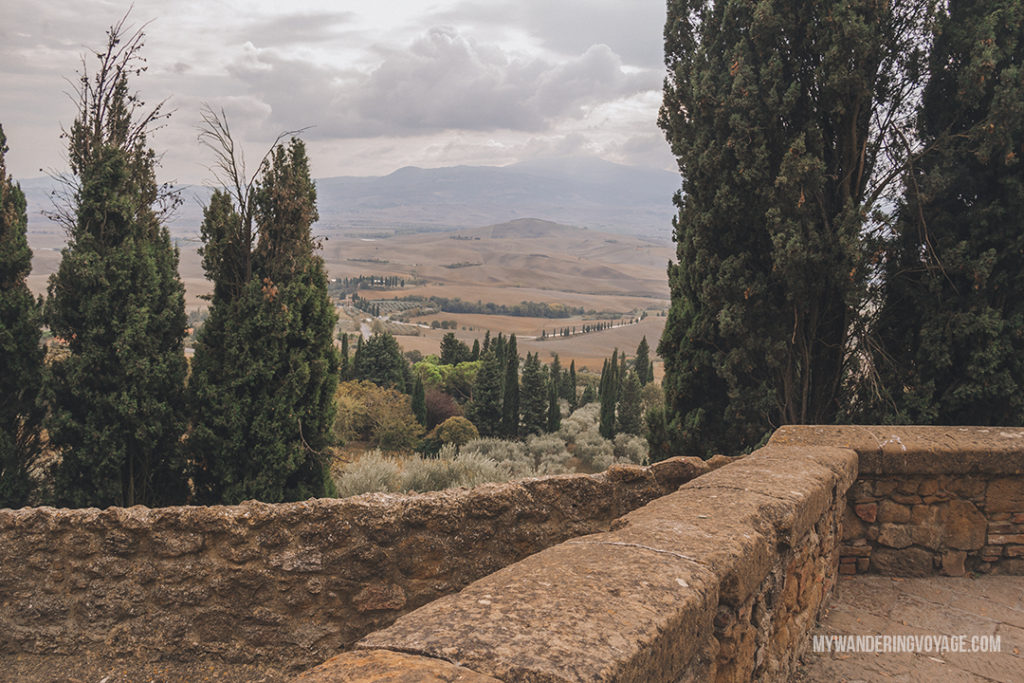 Pienza and Val d'Orcia | Find the best Tuscan villages to visit from Rome in a day. Tuscany is known for its rolling hills, its vibrant cultural cities, its picturesque hilltop towns, and for the food and wine that people flock here for. | My Wandering Voyage #travel blog #Tuscany #Italy #Europe