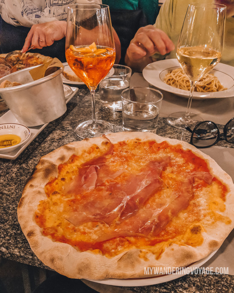 Pizza in Rome | With these 23 mistakes to avoid in Rome, Italy, you'll be a seasoned traveller before you even land in the airport. | My Wandering Voyage travel blog #Rome #traveltips #travel #Italy