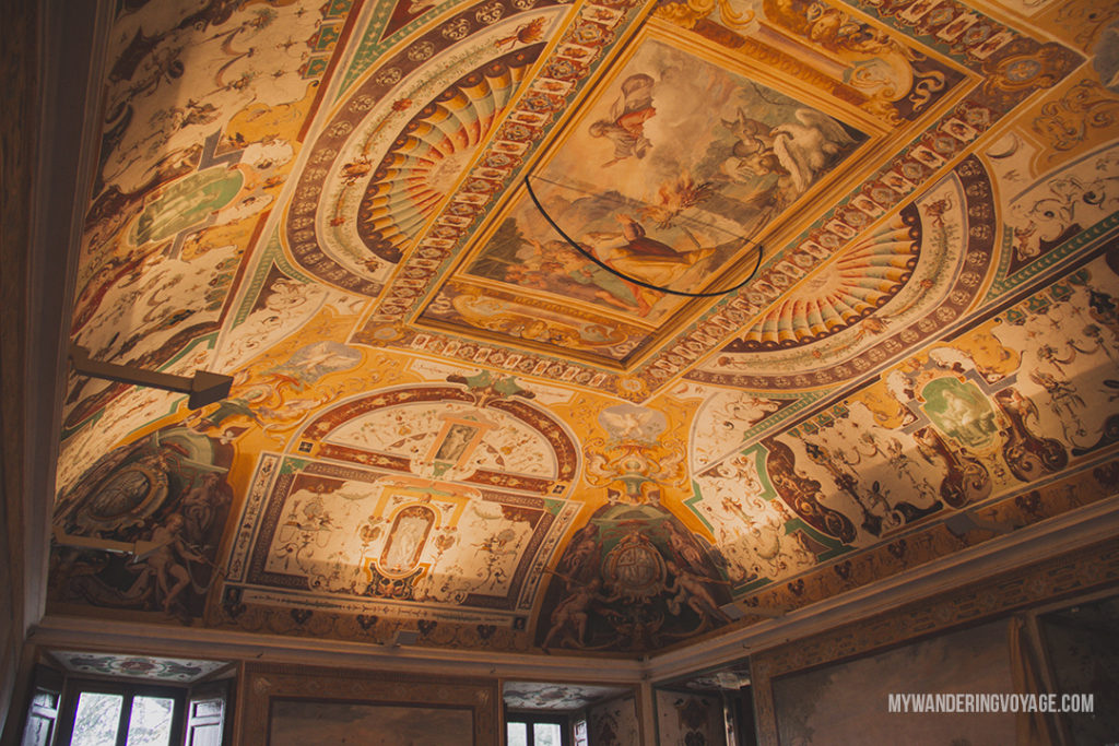 Villa d'Este apartment fresco | Visit UNESCO World Heritage Sites Villa Adriana and Villa d'Este in a day trip to Tivoli, Italy, a mountainside town about 30 kilometres from Rome. | My Wandering Voyage travel blog #rome #italy #travel #UNESCO