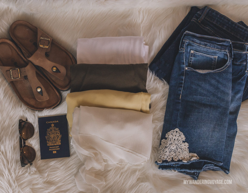 What clothes to bring | In Canada, summer temperatures range from coast to coast to coast. It can be hard to know what to pack for Canada in summer. This guide will help. #packingguide #packinglist #summertravel #travel #Canada
