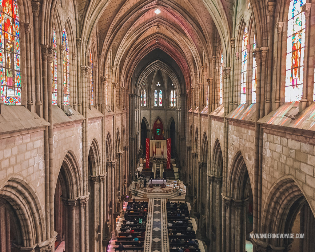 Inside church in Quito, Ecuator | With the powerful device in your pocket you can take incredible photos of your travels. Here is the ultimate guide to smartphone travel photography. | My Wandering Voyage travel blog #travel #photography #tips #travelphotography #smartphonephotography