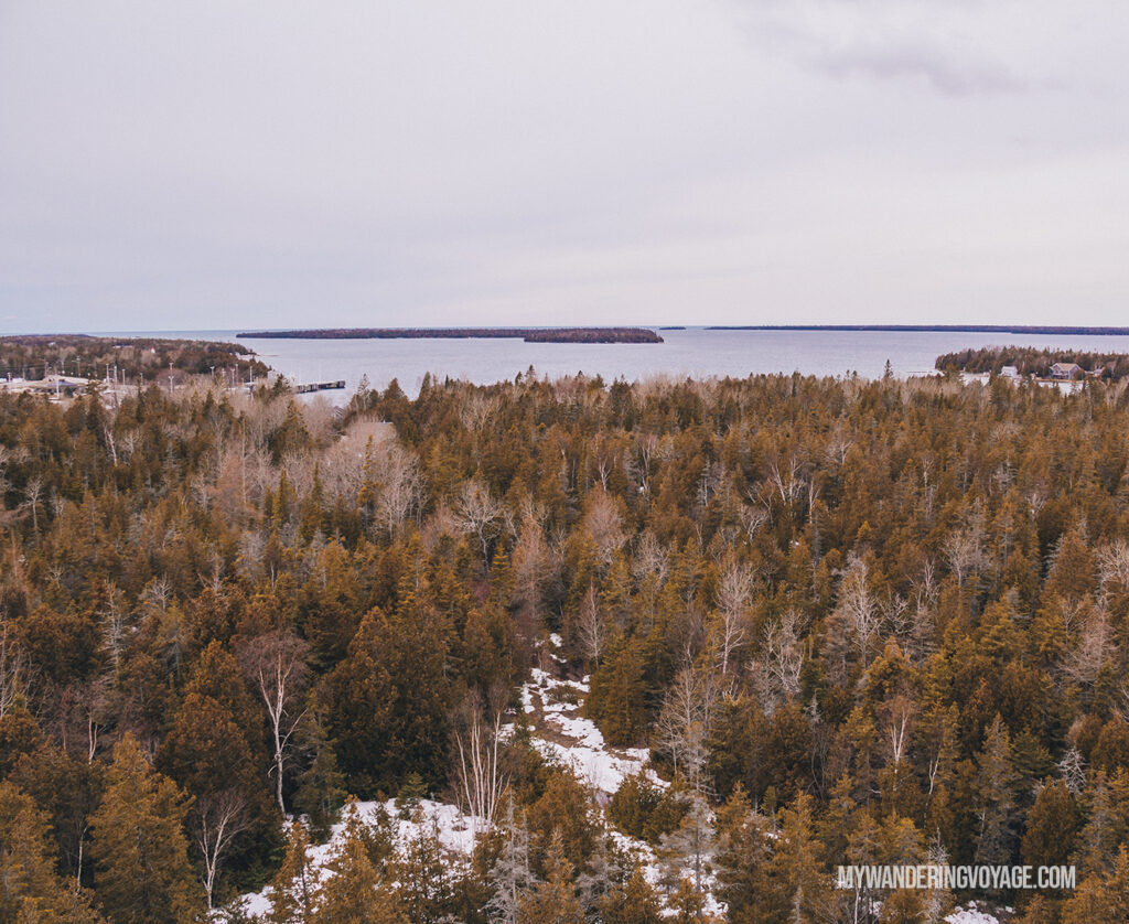 Bruce Peninsula National Park viewpoint | The Ultimate Guide to National Parks in Ontario | My Wandering Voyage travel blog #travel #Ontario #Canada #BrucePeninsula #ThousandIslands #camping