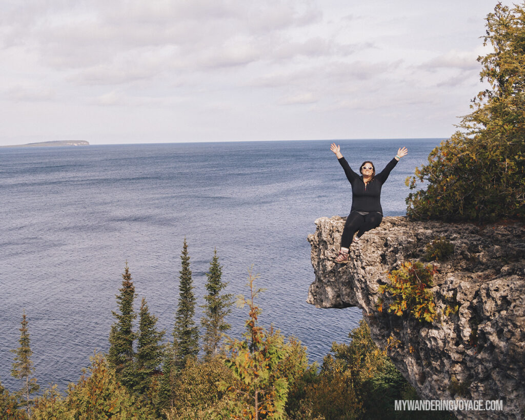 Bruce Peninsula National Park overhang point | The Ultimate Guide to National Parks in Ontario | My Wandering Voyage travel blog #travel #Ontario #Canada #BrucePeninsula #ThousandIslands #camping