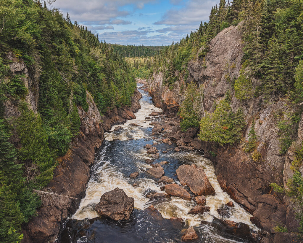 White River Suspension Bridge | Everything you need to know about Pukaskwa National Park [+ hiking guide] | My Wandering Voyage travel blog #Pukaskwa #NationalPark #Canada