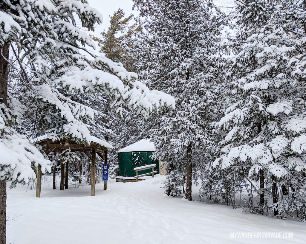 Winter Glamping |100 Unforgettable Ontario experiences that make the perfect gifts | My Wandering Voyage #Travel Blog #Ontario #GiftIdea #GiftExperiences