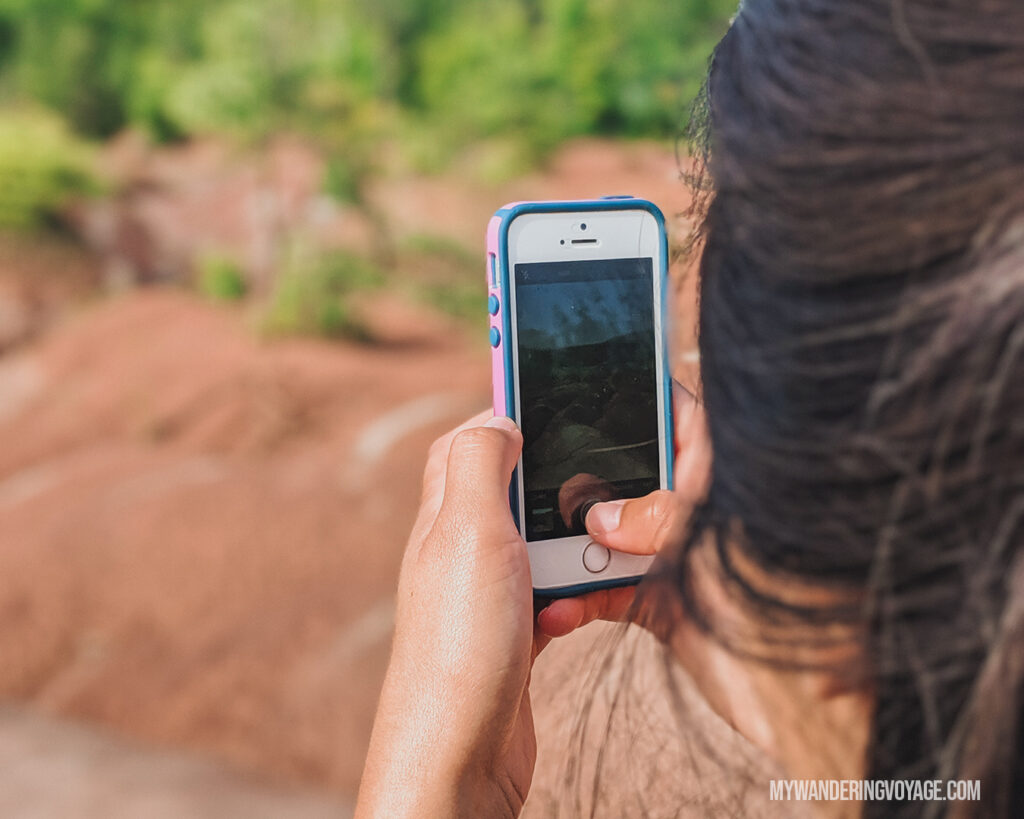 Photo tour in Cheltenham Badlands |100 Unforgettable Ontario experiences that make the perfect gifts | My Wandering Voyage #Travel Blog #Ontario #GiftIdea #GiftExperiences