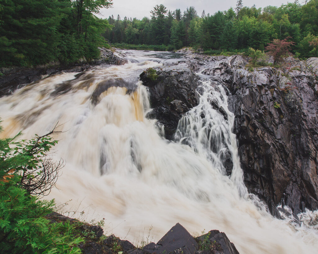 twin bridges trail chutes provincial park | Best Hikes in Ontario | My Wandering Voyage travel blog